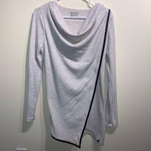 Women's long sleeve athletic top